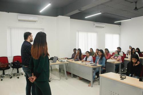 School of Fashion Mentors - Khushbu Shetty and Nishankh Sainani